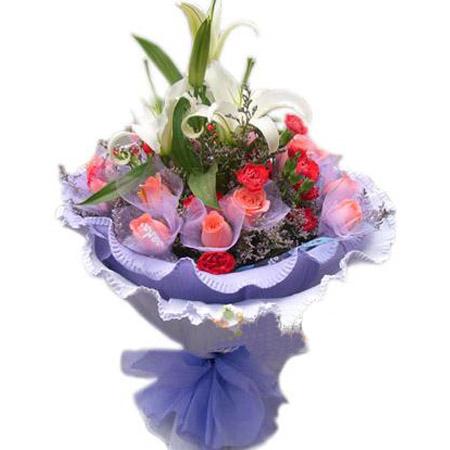 19枝粉玫瑰,16枝红色康乃馨,中间2枝白香水百合